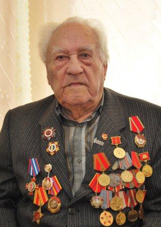 Поздравляем Юлиана Александровича Сурутковича с 95-летием!