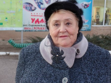 Лидию Васильевну Гнутову –  с юбилеем!