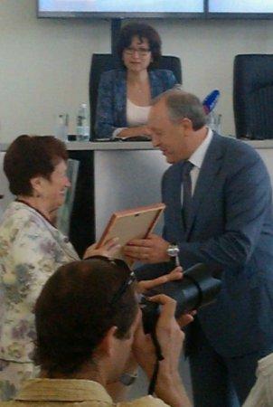 Губернатор вручил награды журналистам