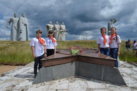 Со Знаменем Победы мы поклонились памяти панфиловцев