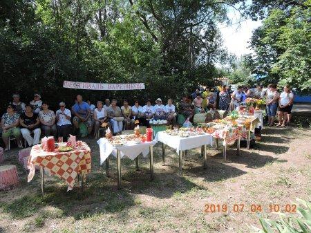 Саратовские журналисты вместе с социальными работниками пяти районов Заволжья прошли по туристическому маршруту Краснокутского района.