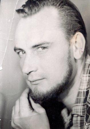 Ушел из жизни Геннадий Шаповалов