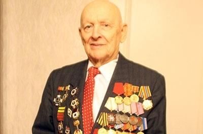 Саратовский журналист, фронтовик, орденоносец Аркадий Богатырёв стал Заслуженным журналистом России.