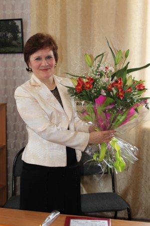Поздравляем с юбилеем редактора Татищевской районной газеты «Сельская жизнь» Аллу Сергеевну Новикову!